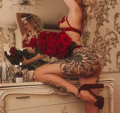 Эротичная голая Кира Браун слила откровенные фото 18+ без цензуры