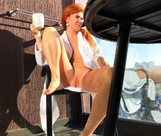 Эротичная голая Тетя Вика слила откровенные фото 18+ без цензуры